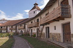 Corte de la iglesia fortificada en Transilvania, Rumania Imagen de archivo libre de regalías