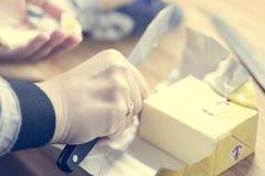 Corte de la mantequilla Fotos de archivo