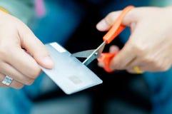 Corte de la tarjeta de crédito Imágenes de archivo libres de regalías