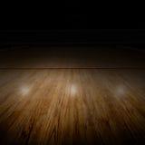 Corte de voleibol con la iluminación del punto y el espacio especiales de la copia fotos de archivo