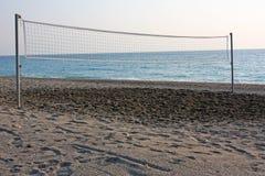 Corte de voleibol de la playa imágenes de archivo libres de regalías