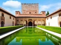 Corte dei mirti nel palazzo di Nasrid a Alhambra, Granada, Spagna fotografia stock