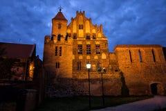 Corte del ciudadano por noche en Torun Foto de archivo