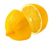Corte del limón por la mitad aislado en el fondo blanco Fotografía de archivo
