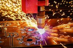 Corte del metal, tecnología industrial moderna del plasma del laser del CNC Fotografía de archivo