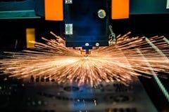 Corte del metal, tecnología industrial moderna del laser del CNC Imagen de archivo libre de regalías