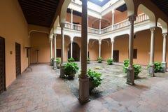 Corte del palazzo di Cordova (Palacio de los Cordova) granada Fotografie Stock Libere da Diritti