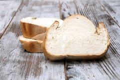 Corte del pan Fotografía de archivo libre de regalías