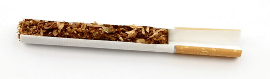 Corte do cigarro Fotos de Stock