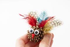 Corte el juguete una Turquía en la mano en blanco Fotografía de archivo libre de regalías