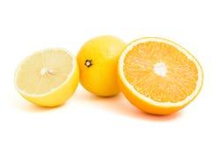 Corte el limón y la naranja Imagen de archivo