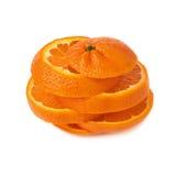 Corte fresco de la mandarina en las rebanadas aisladas sobre Fotos de archivo libres de regalías