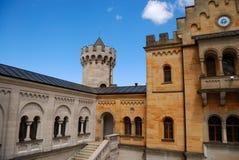 Corte interna do castelo de Neuschwanstein fotos de stock