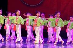 Corte la exposición de enseñanza de clasificación Jiangxi del logro de los niños de la prueba de la academia de la danza de Pekín imágenes de archivo libres de regalías