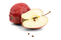 Corte la manzana roja con las semillas Foto de archivo