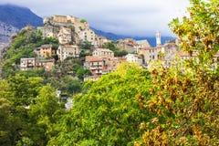 Corte - mäktig medeltida stad i Korsika, Frankrike royaltyfria bilder