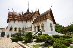 Corte media del palacio magnífico de Tailandia Foto de archivo libre de regalías