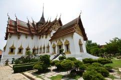 Corte media del palacio magnífico de Tailandia Fotos de archivo libres de regalías