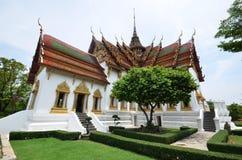 Corte media del palacio magnífico de Tailandia Fotos de archivo