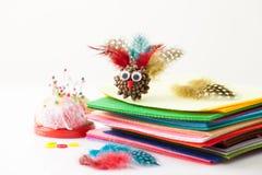 Corte o brinquedo Turquia com os materiais para sua fabricação Imagens de Stock Royalty Free