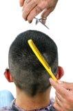 Corte o homem do cabelo Fotos de Stock Royalty Free
