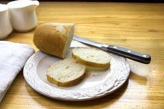 Corte o pão francês Imagem de Stock