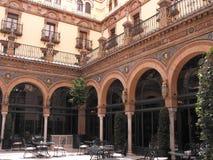 Corte principal de Alfonso Hotel imagens de stock royalty free