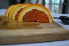 Corte recientemente las naranjas Foto de archivo libre de regalías