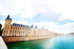 Corte suprema Cour di Parigi sopra la Senna immagini stock