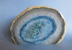 Corte transversal de una ágata azul Imágenes de archivo libres de regalías