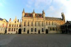Corte velha e Townhall - Bruges Fotos de Stock Royalty Free