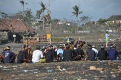 Cortejo fúnebre en la playa de Sanur en Bali foto de archivo