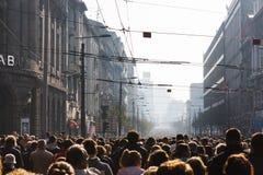 Corteo funebre massiccio a Belgrado fotografia stock libera da diritti