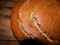 Corteza rubicunda con ucraniano fresco-cocido del pan Foto de archivo libre de regalías