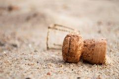 Cortiça na praia Fotos de Stock