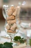 Cortiça no vidro de vinho Imagens de Stock