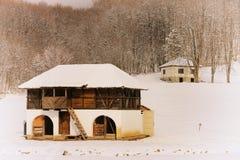 Cortijo viejo en invierno Fotos de archivo libres de regalías