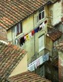 Cortile con i clothes-lines Immagine Stock Libera da Diritti