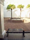 Cortile con la fontana Fotografie Stock