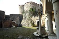 Cortile del castello fotografie stock