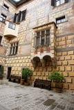 Cortile del castello dello stato in Cesky Krumlov fotografia stock