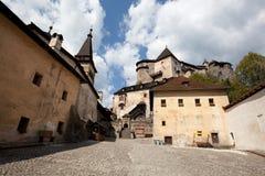 Cortile del castello di Orava fotografia stock libera da diritti