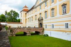 Cortile del castello in Slovenska Bistrica Immagini Stock Libere da Diritti