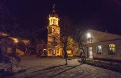 Cortile del monastero di St George in Pomorie, Bulgaria sulla notte di Pasqua Fotografia Stock