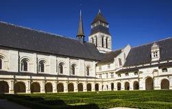 Cortile di Abbaye de Fontevraud fotografie stock libere da diritti