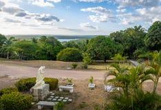 Cortile di Francisco Church del sao e fiume del Paraiba - Joao Pessoa, Paraiba, Brasile fotografie stock libere da diritti