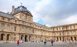 Cortile interno ed esterno del Louvre, Parigi Fotografia Stock Libera da Diritti
