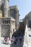 Cortile interno a Mont Saint Michel Abbey, Francia Immagini Stock