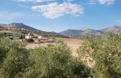 Cortile murato tradizionale intorno all'azienda agricola o all'hotel in Spagna Immagini Stock