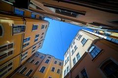 Cortile a St Petersburg, giorno soleggiato Immagine Stock
